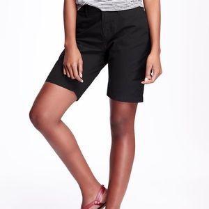 Old Navy black Bermuda shorts.